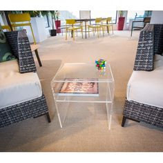 Acrylic side table 40x30 h:45 ideal for #living #room #acrylic #plexiglass #clear  - tavolino basso da salotto in plexiglass -