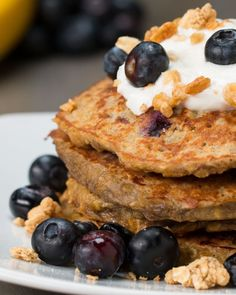 INGREDIENTS2 ripe bananas2 eggs1 teaspoon vanilla extract½ cup quick oats½ cup blueberriesPREPARATION1. Mash bananas in a large bowl until smooth. Mix in eggs and vanilla until well combined, then mix in oats. Fold in blueberries carefully. 2. Heat a skillet to medium and add in a scoop of the pancake batter. Smooth out to form an even layer. Cook for about 2 to 3 minutes until you start to see bubbles releasing from the top of the batter. Flip and cook until the other side is golden brown…