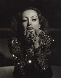 Joan Crawford - Photo by George Hurrell (1934)