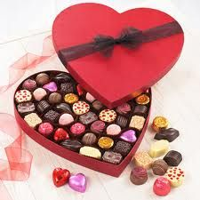 10 Affordable Valentine Gifts For Your Girlfriend - Magazine Reel Valentine Chocolate, Chocolate Box, Gifts For Your Girlfriend, Your Girlfriends, Velentine Day, Unique Valentines Day Gifts, My Heart Is Yours, Presents, My Favorite Things