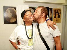 No repertório estão sucessos dos dois artistas e homenagem à Escola de Samba Unidos de Vila Isabel