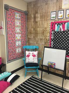 Carpet area for read aloud/ mini lessons flamingo themed classroom Classroom Reading Area, First Grade Classroom, Autism Classroom, New Classroom, Classroom Setting, Classroom Themes, Classroom Carpets, Hawaiian Decor, Learning Through Play