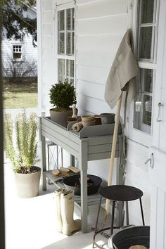 Outdoor potting space