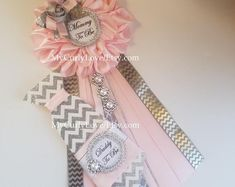 Gray Pink Baby Shower Mommy To Be Corsage/Gray Pink Baby Shower Pin/Girl Mommy to be Pin/Daddy to be Pin/Silver Pink Baby Shower Mommy to be Baby Shower Pin, Baby Shower Photo Frame, Baby Shower Photos, Baby Shower Princess, Girl Shower, Shower Party, Tutu, Pink Und Gold, Mommy To Be Pins