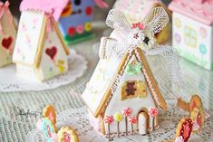 gingerbread house Christmas Gingerbread House, Gingerbread Cookies, Christmas Holidays, Gingerbread Houses, Cookie Cottage, Cookie House, Made Of, Icing, Gift Wrapping