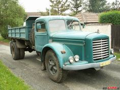 Old Trucks, Pickup Trucks, Vintage Cars, Antique Cars, Commercial Vehicle, Classic Trucks, Heavy Equipment, Cars And Motorcycles, Cool Cars