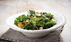 Green salad with pomegranate orange sesame, sundried tomato and croutons Greek Recipes, My Recipes, Cooking Recipes, Chrismas Cake, Cake Roll Recipes, Rolls Recipe, Pomegranate, Green Beans, Spinach