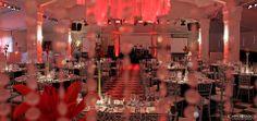 Nuestro salón se tiñe de #Rojo para celebrar este viernes tan especial! Feliz día de San Valentín ♥ www.cbeventos.cl