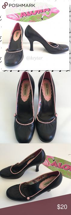 Steve Madden Prezious Mary Jane Heels Oh my! Such a sweet pair of heels. Steve Madden 'Prezious' heels. Black Mary Jane style shoe with light pink piping and button. Leather upper, man made balance. Worn but in good used condition. Most wear is on the bottom and inside of shoe. Check out the pictures and as questions. Very nice for that rockabilly retro look. Steve Madden Shoes Heels