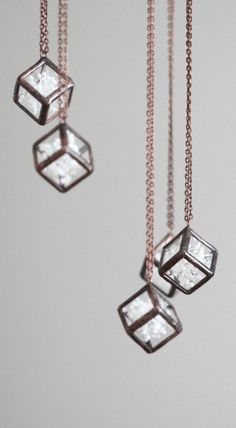 Terrarium necklace . Stained glass necklace. Pressed flowers necklace. Baby's breath terrarium. Hanging terrarium. Botanical jewelry