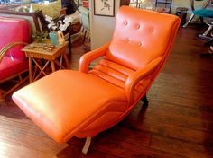Expert Tips for Finding Vintage Furniture >> http://blog.diynetwork.com/maderemade/2015/03/27/expert-tips-for-finding-vintage-furniture/?soc=pinterest