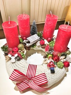 Christmas Advent Wreath, Diy And Crafts, Christmas Crafts, Centerpieces, Table Decorations, Facebook, Flower, Holiday Decor, Shop
