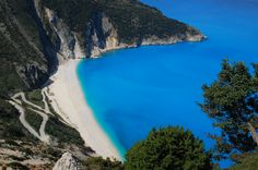 Visit Kefalonia on a day trip from Zante - Top 20 Things to do on Zante holidays Beaches In The World, Places Around The World, Around The Worlds, Greece Resorts, Beach Resorts, Beach Vacation Spots, Vacation Trips, Vacation Ideas, Vacations
