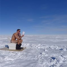 Alexander Skarsgard Goes Naked at the South Pole! (Photo): Photo Alexander Skarsgard goes butt naked while reading a book outside on a toilet at the South Pole in this hot (and at the same time super cold) new photo! The photo… Serie True Blood, Tarzan Movie, Skarsgard Family, Skarsgard Brothers, Outdoor Toilet, Celebrity Bodies, Celebrity Pics, Jonathan Rhys Meyers, Eric Northman