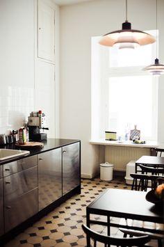 Ines Colmorgen & André Wyst's Apartment Kitchen, Berlin DE // Freunde von Freunden