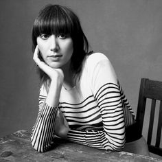 karen o of the yeah yeah yeahs..one of the coolest,grooviest singers and front people ever...