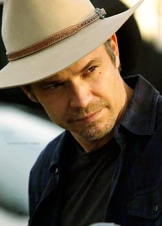 """Justified S02E05 - Cottonmouth """"""""I need you to know if you find yourself in trouble - any kind - you can call me."""""""""""