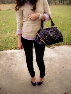Golf beige - camicia rosa - pantaloni neri