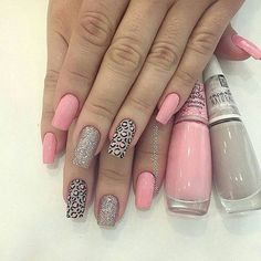 These nail designs will be your indispensable. Stamp this summer with the latest trend nail designs. these great nail designs will perfect you. Pink Acrylic Nails, Pink Nails, Gel Nails, Stylish Nails, Trendy Nails, Jolie Nail Art, Finger, Acryl Nails, Leopard Nails