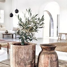 I love those wooden vases!