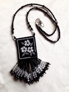 My preferred side of reversible, adjustable-length necklace, Seed Bead Patterns, Beaded Jewelry Patterns, Beading Patterns, Beaded Purses, Beaded Bags, Seed Bead Necklace, Beaded Necklace, Bead Loom Bracelets, Tear