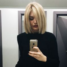 blunt haircut + blonde highlights & a complimentary manicure, hello best Thursday ever // Medium Hair Styles, Short Hair Styles, Hairstyles Haircuts, Blonde Bob Hairstyles, Short Haircuts, Blonde Highlights, Great Hair, Hair Today, Gorgeous Hair