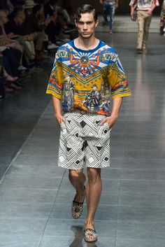 http://www.style.com/slideshows/fashion-shows/spring-2016-menswear/dolce-gabbana/collection/98