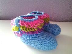 (691) Como tejer botitas bebe muy fácil y rápido - YouTube Crochet Bebe, Lana, Beanie, Kids, Baby Things, Shoes, Crochet Shoes, Tricot, Crochet Baby Clothes