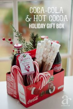 I am creating #RealMagic with this fun Coca-Cola and Hot Cocoa Holiday Gift Boxes for school staff and volunteers this season. Come see and download your own FREE printable gift tag to pass on the good deed! #ad