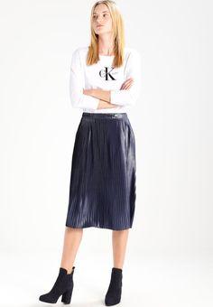 3d7a1a424d ¡Consigue este tipo de falda plisada de Tom Tailor Denim ahora! Haz clic  para