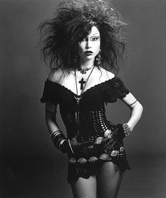 Little xx Gothic xx Girl 80s Goth, Grunge Goth, Punk Goth, Deathrock Fashion, Punk Fashion, Gothic Fashion, Vintage Goth, Gothic Girls, Gothic Lolita
