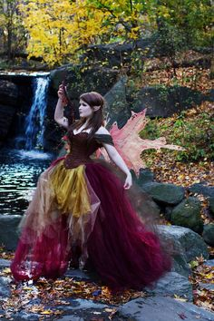 I love fairy tales because of their haunting beauty and magical strangeness. Moda Medieval, Medieval Dress, Foto Fantasy, Fantasy Hair, Fantasy Makeup, Elfa, Beauty And Fashion, Gothic Fashion, High Fashion