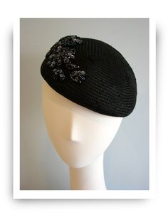 Parisisal embellished beret