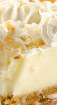 Easy Meyer Lemon Pie with Condensed Milk Myer Lemon Recipes, Lemon Dessert Recipes, Tart Recipes, Easy Desserts, Delicious Desserts, Limoncello, Quiche, Biscuits, Pie Dessert