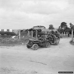 6th Airborne Division, Landing Zone N (Ranville), D-Day. Jeep & glider (planeur) Horsa.