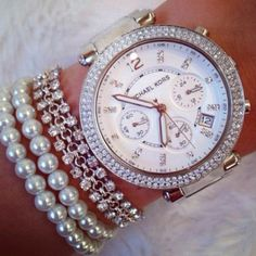 Adore the big face and arm candy!!