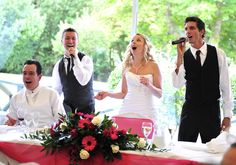 www.singingwaitersx2.com Singing along with the bride and groom, A Laaaaa Garcons giving it the WOW factor.