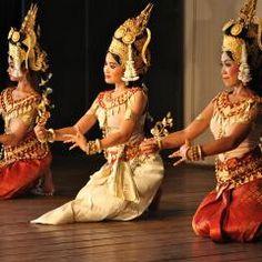 Cambodian Art, Folk Dance, Royal Ballet, Culture Travel, Indian Art, Traditional Dresses, Ballet Dance, Art Photography, Dancer