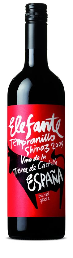 Elefante shiraz. An elefant that looks like a bull...  :)