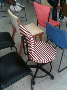 Cadeiras vintage Concepção e execução: Zeca  Cliente: Escola São Paulo