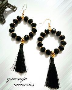 Rosamaria G Frangini Handmade Wire Jewelry, Beaded Jewelry Designs, Jewelry Patterns, Tassel Jewelry, Bead Jewellery, Jewelery, Diy Necklace, Bead Earrings, Homemade Jewelry