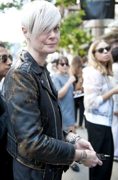 New York Fashion Week Spring 2014 Beauty Street Style Is Full Of Fresh Faces & Bold Lips (PHOTOS)