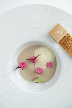 assiette gastronomique, servir ses plats délicieux avec du style