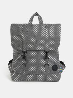 fd431b9226e2f Typ: dámský městský batoh s klopou Barva: šedá, bílá Vzor: puntíkovaný  Zapínání