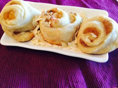 A colazione invece perché non optare per rose e caffelatte?. Le combinazioni sono infinite. La sostanza della ricetta resta sempre la stessa per fortuna, 310 calorie ogni porzione. - See more at: http://blog.giallozafferano.it/salvialinea/rose-di-mele-e-cannella/#sthash.Wx93wInP.dpuf