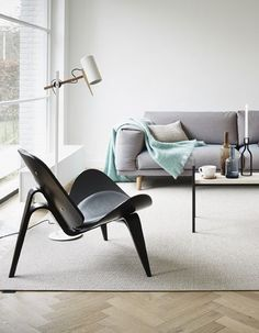 urbnite:  Shell Chair by Hans Wegner