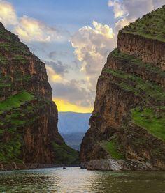 Kaferin Canyon; Badre County, Ilam Province, Iran