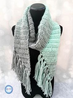 The Mint-cicle Scarf is a free,beginner-friendly crochet pattern with a modern twist. It takes just one skein of Lion Brand Scarfie yarn and it will be a perfect addition to your last-minute gift list this holiday season! It is the first free crochet pattern of my Seven Days of Scarfie pattern collection.