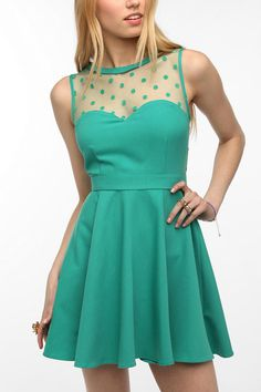 Apparently, this style is all the rave this season! I love the flirty retro look. :) ...Someday...