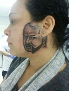Here are 30 photos showing the worst tattoo fails that will make you go ROFL! These people surely made the worst decision of their life. Horrible Tattoos, Weird Tattoos, Funny Tattoos, Worst Tattoos, Bad Face Tattoos, Really Bad Tattoos, Tattoo Fails, Dumbest Tattoos, Tattoos Gone Wrong